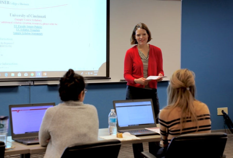 Instructional Designer Becky Williamson teaching a spring syllabus accessibility bootcamp
